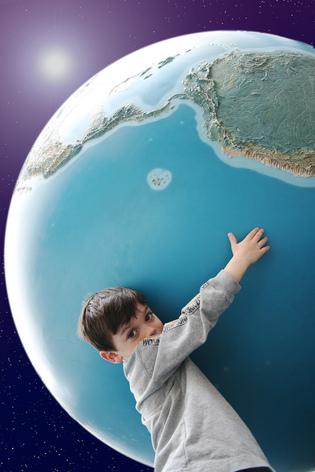 El consejo que debes seguir de la persona más joven en conocer todos los países del mundo